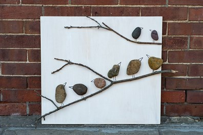 Making attractive art pieces for your home is easy with just a few natural materials from outdoors.