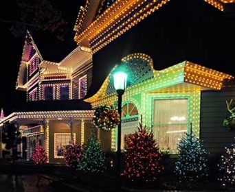 One Of The Joys Christmas Time Is Cruising Around And Admiring Many Ling Trees Hanging Lights On Outdoor Spartanburg
